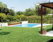 Jardin y piscina en la Moraleja