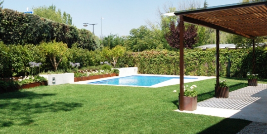 Beltrami cabau arquitectos portfolio categories obra for Paisajismo jardines con piscina