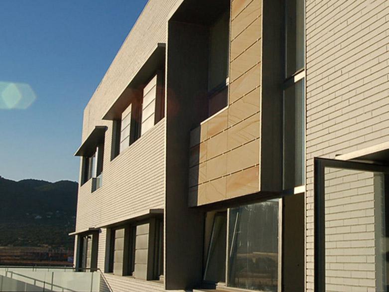 42 viviendas Cordoba Detalle exterior hueco duplex